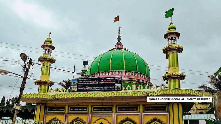 रमजान के दौरान नमाज के लिए लोगो को अंदर जाने की अनुमति की मांग वाली जुमा मस्जिद ट्रस्ट की याचिका को बॉम्बे HC ने खारिज किया