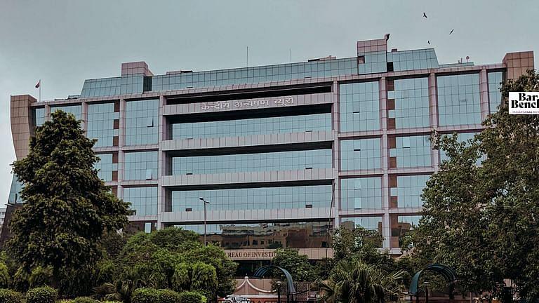 [ब्रेकिंग] नारदा घोटाले में 4 TMC नेताओं की हिरासत पर कलकत्ता उच्च न्यायालय के आदेश के खिलाफ सीबीआई ने SC का रुख किया