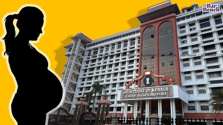 केरल उच्च न्यायालय ने मातृत्व अवकाश पर कार्यवाही के लिए राज्य महिला एवं बाल विकास विभाग द्वारा बर्खास्त महिला को बहाल किया