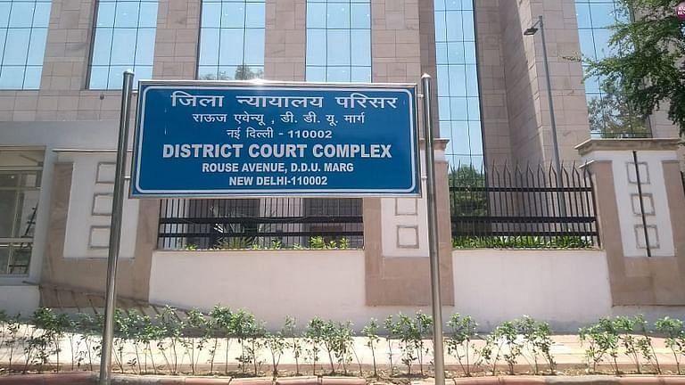 अनिल देशमुख दस्तावेज़ लीक मामला: दिल्ली की अदालत ने वकील आनंद डागा, एसआई अभिषेक तिवारी की जमानत खारिज की