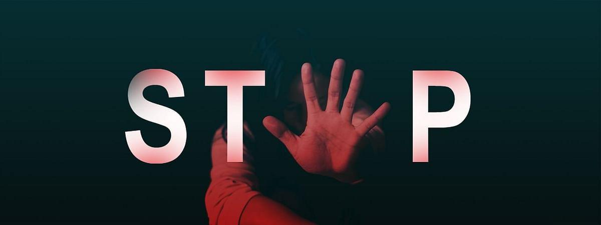 12 ವರ್ಷದ ಮಗುವಿನ ಬಟ್ಟೆ ತೆಗೆಯದೆ ಸ್ಪರ್ಶಿಸಿದರೆ ಪೊಕ್ಸೊ ಕಾಯಿದೆಯಡಿ ಲೈಂಗಿಕ ಅಪರಾಧವಲ್ಲ: ಬಾಂಬೆ ಹೈಕೋರ್ಟ್