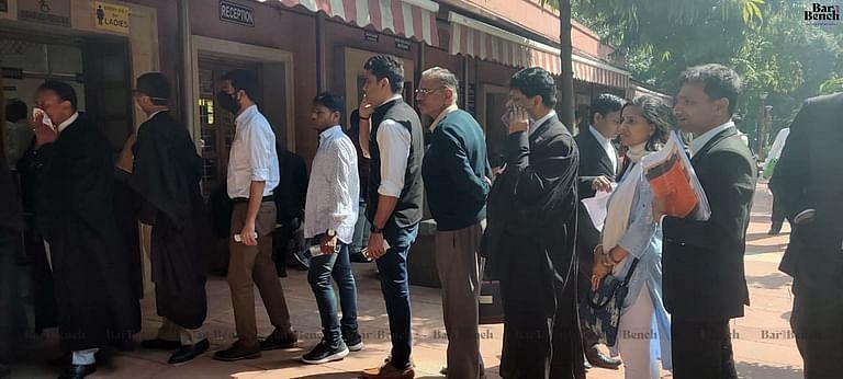 ನ್ಯಾಯಾಂಗ ಅಧಿಕಾರಿಗಳು, ಸಿಬ್ಬಂದಿ ಹಾಗೂ ವಕೀಲರಿಗೆ ಕೋವಿಡ್ ಚಿಕಿತ್ಸೆ: ರಾಜ್ಯ ಸರ್ಕಾರದಿಂದ ನೋಡಲ್ ಅಧಿಕಾರಿಗಳ ನೇಮಕ