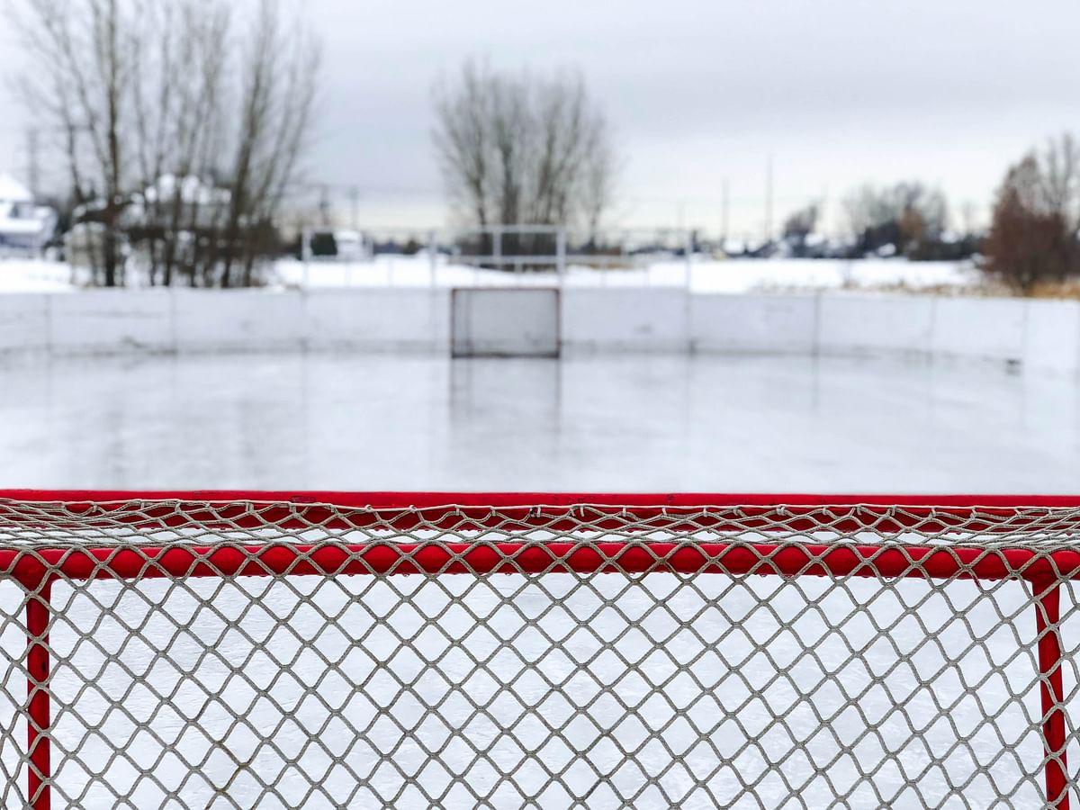 Ice hockey net outside