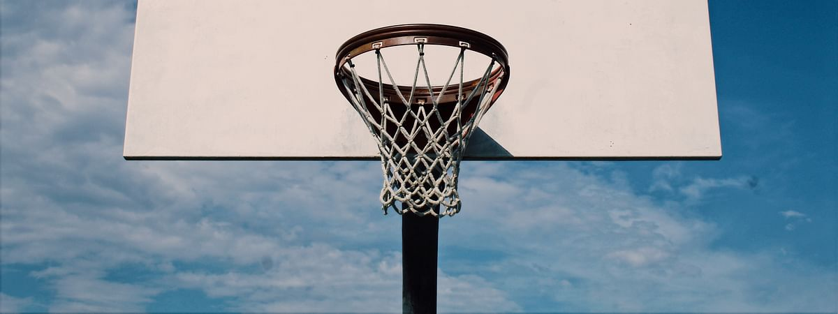Outdoor basketball net