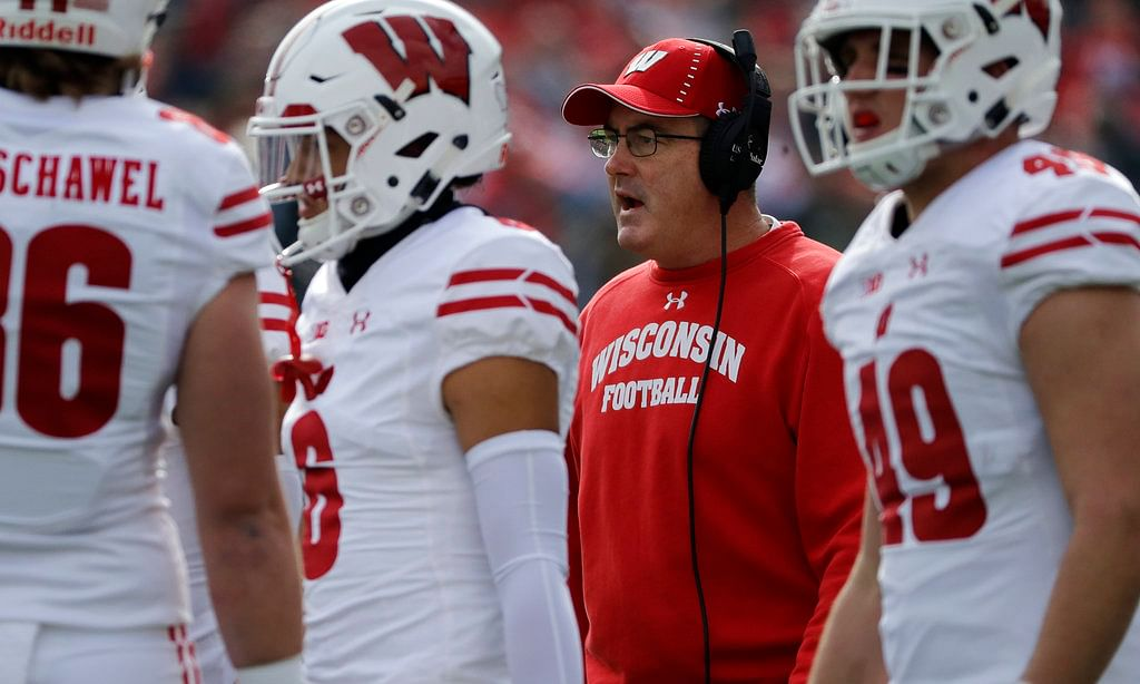 NCAAF: Miami (-3) vs. Wisconsin - Thursday, 5:15 pm