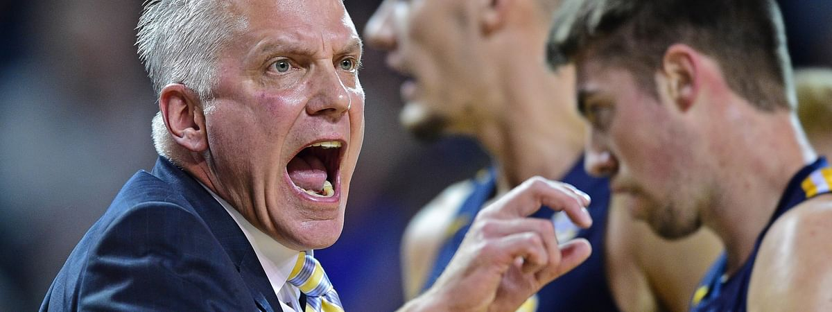 Toledo head coach Tod Kowalczyk reacts to a call during the first half of an NCAA college basketball game against Buffalo, Tuesday, Jan. 8, 2019, in Amherst, New York. (AP Photo/David Dermer)
