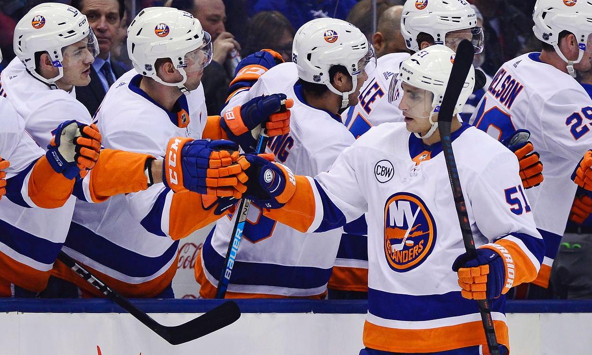 NHL: Running w/the Isles & a high scoring Blackhawks/Rangers game
