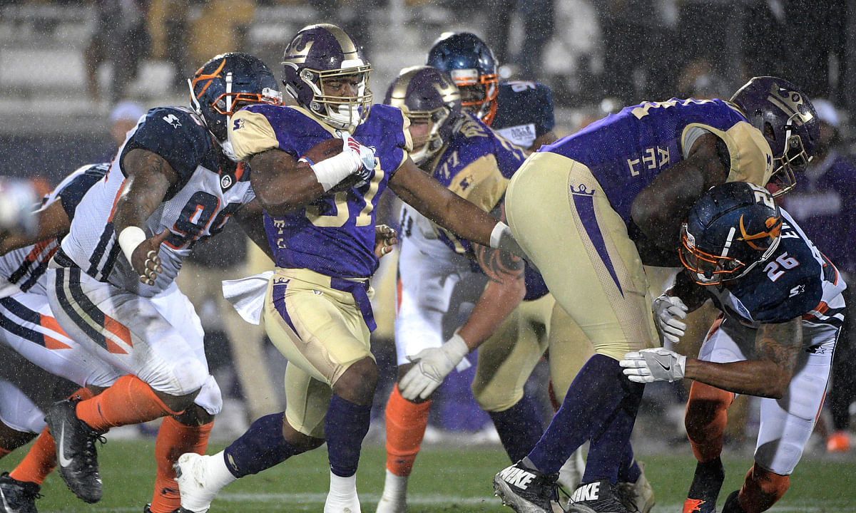 Gamblers bet on new US football league despite no history