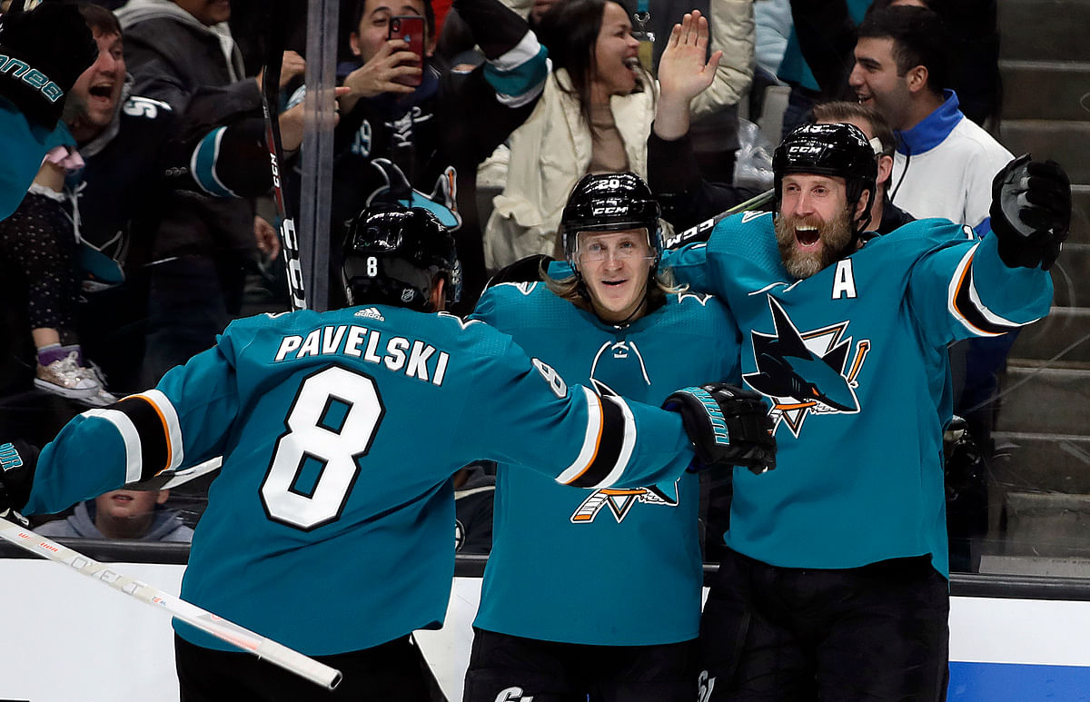 NHL Thursday: Sharks-Pens top a Busy Night