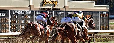 Racing at Mahoning Valley