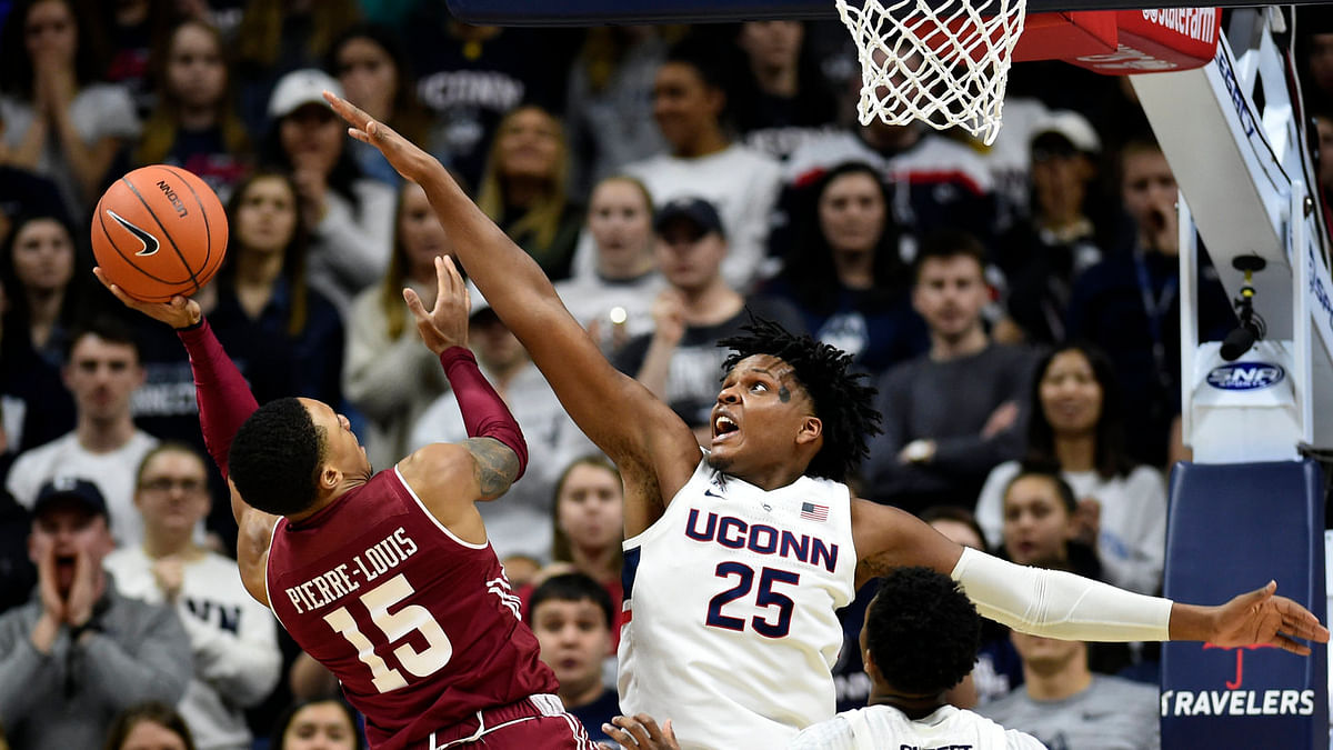 NCAAB picks from Kern include Connecticut vs Temple, Iowa State vs Iowa, Hofstra vs Drexel, Northeastern vs Delaware, and an NBA teaser