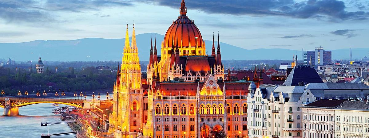The Hungarian Open draw isn't looking so hot due to injuries and upsets but Budapest is still beautiful.