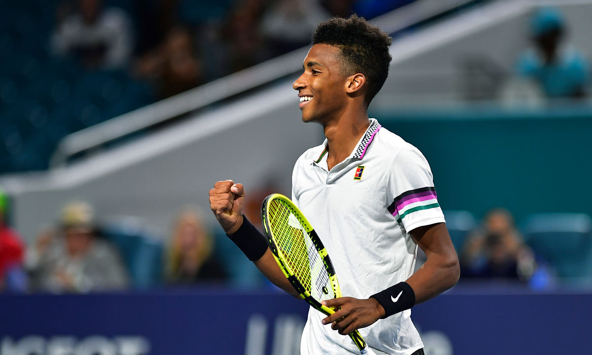 Felix Auger-Aliassime, of Canada, returns to the court today in Acapulco. (AP Photo/Jim Rassol)