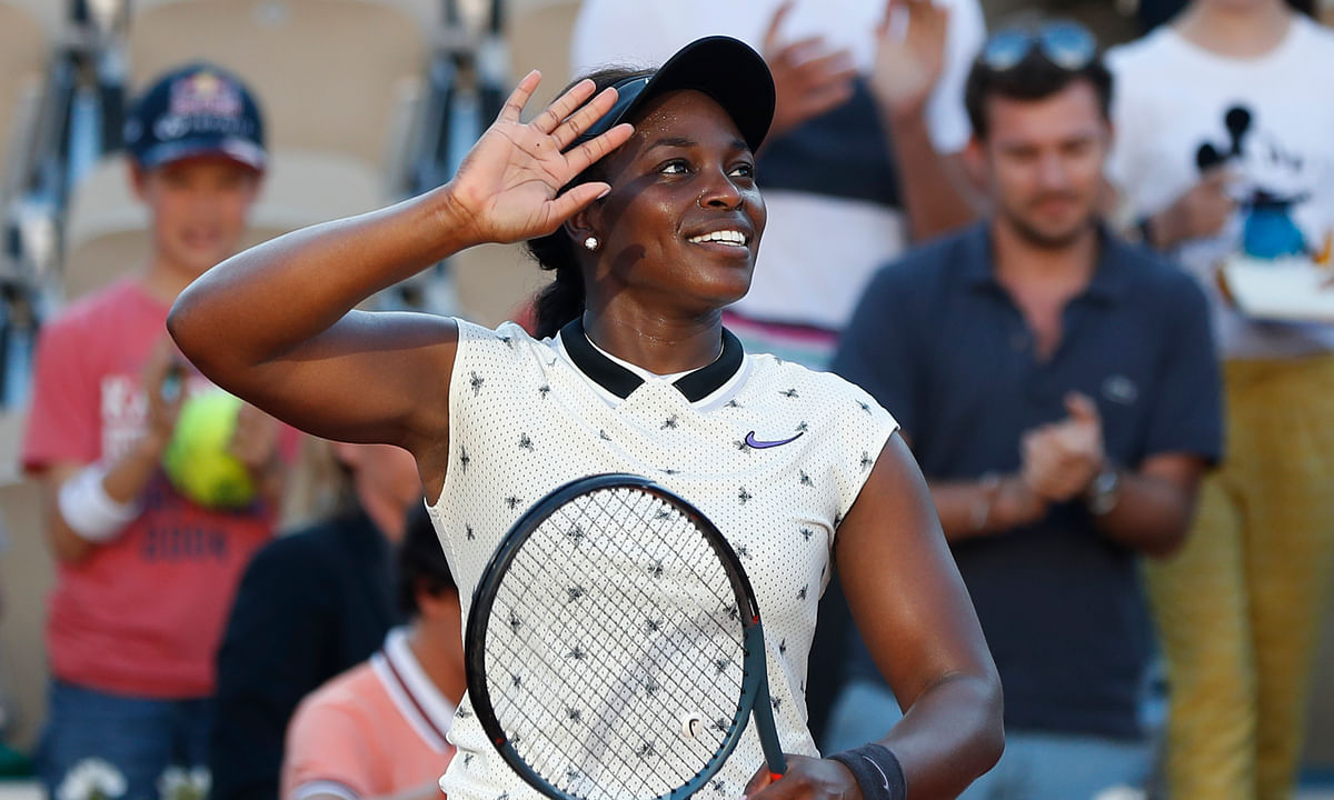 Sloane Stephens reaches 4th Round at Roland Garros, says engagement to soccer star Jozy Altidore helped her game – plus full Friday results