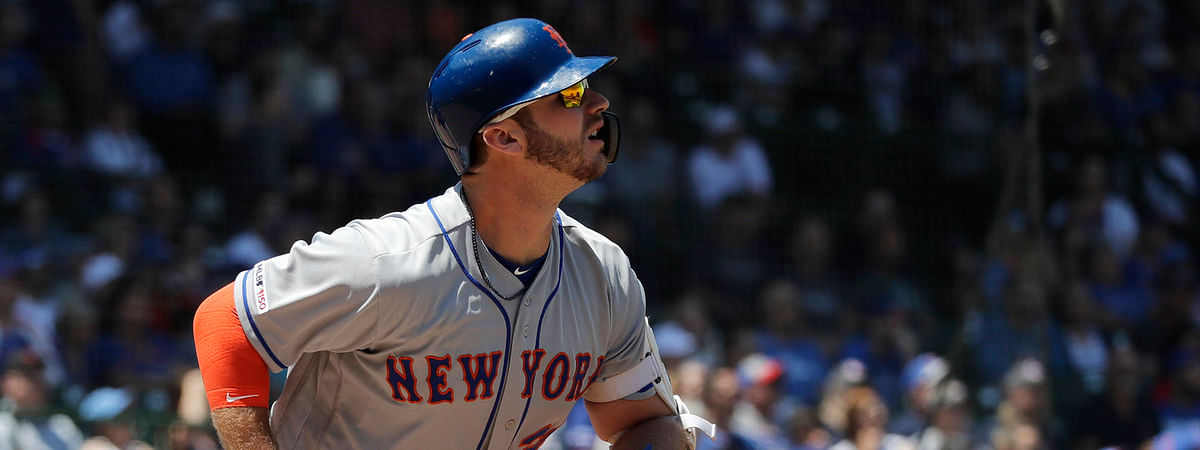 Mets' Pete Alonso watches his  solo home run against the  Cubs in the first inning on  June 22  (Nam Y. Huh)