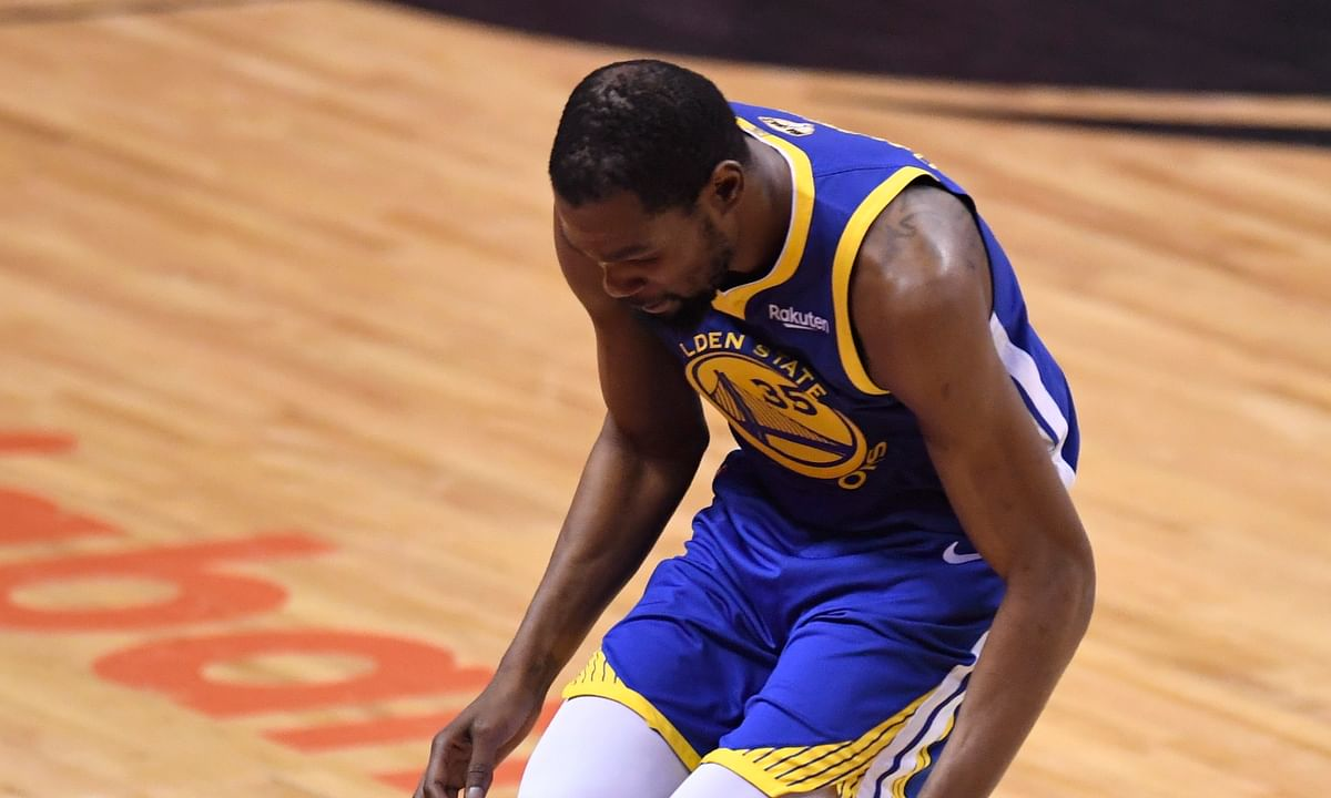 Golden State Warriors Kevin Durant returns from injury . . . then gets hurt again