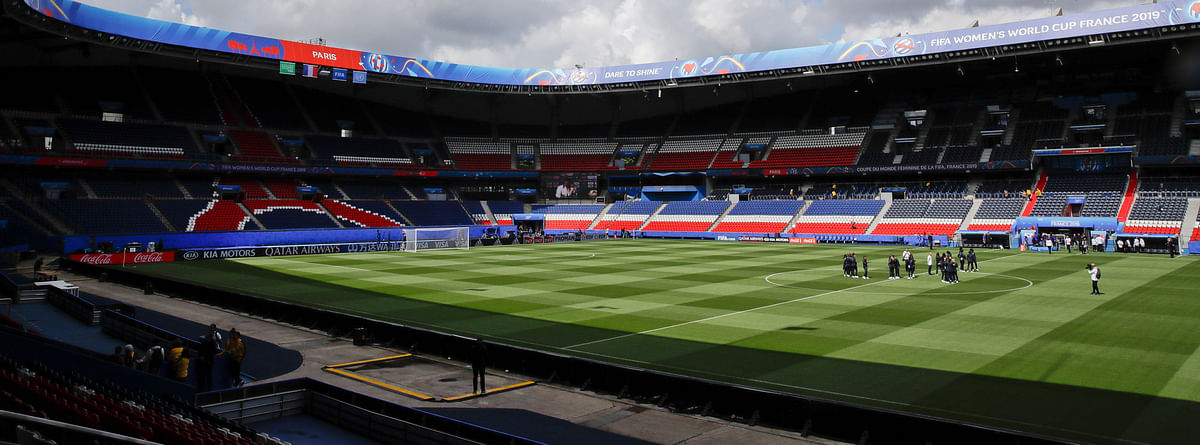 France players visit the Parc des Princes stadium on June 6 (Alessandra Tarantino)