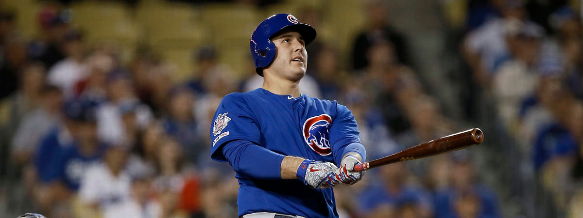Cubs' Anthony Rizzo awatches his two-run home run  in Los Angeles on June 15  (Alex Gallardo)