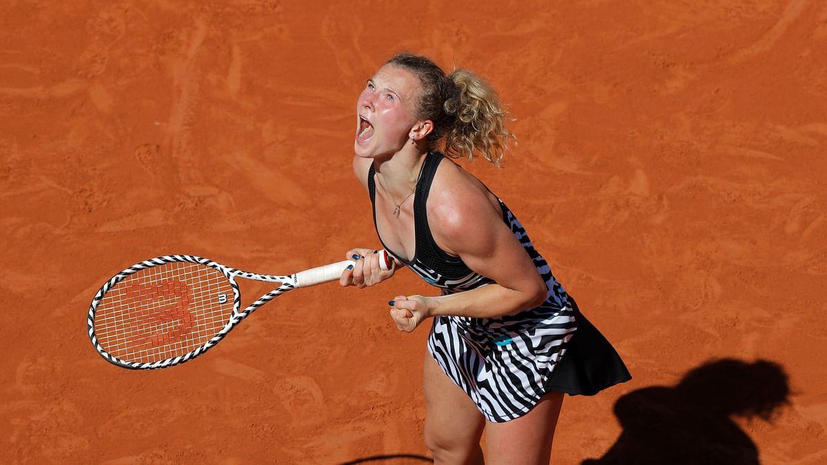 Naomi Osaka upset at French Open, Siniakova advances to face Madison Keys; Halep, Djokovic, Zverev, Tsitsipas, Fognini, Wawrinka also win