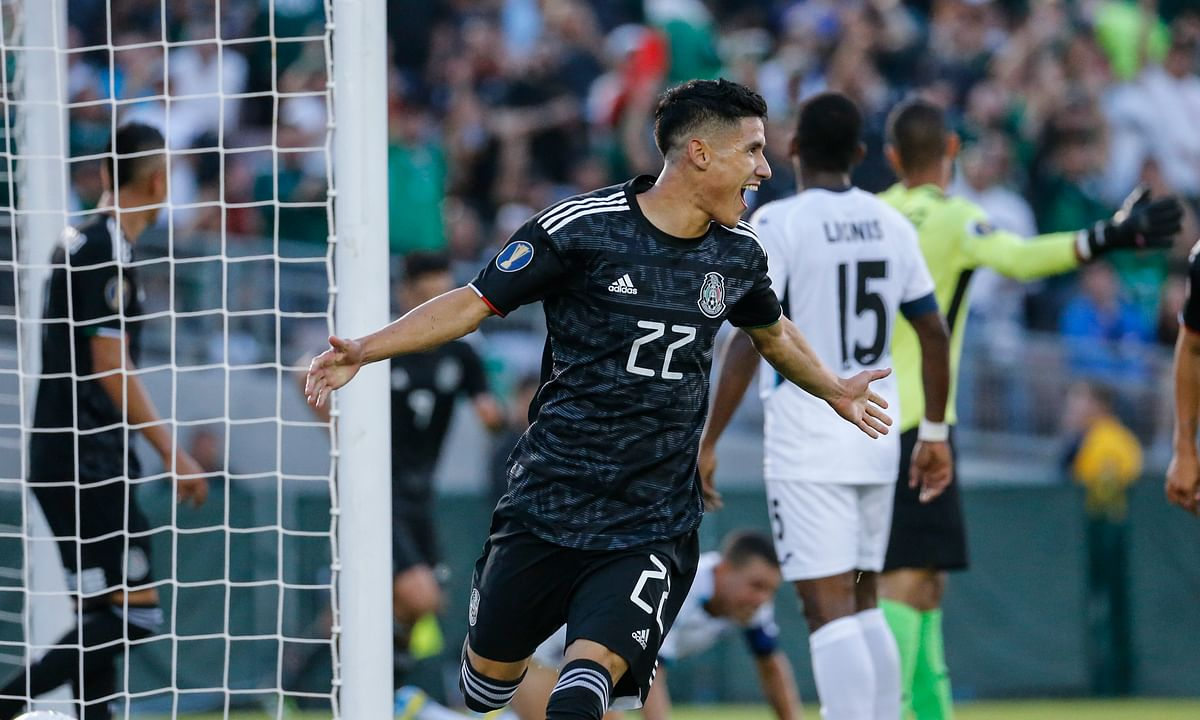 Antuna hat trick paces Mexico to a 7-0 rout of Cuba in CONCACAF Gold Cup soccer at the Rose Bowl; Also Canada tops Martinique 4-0
