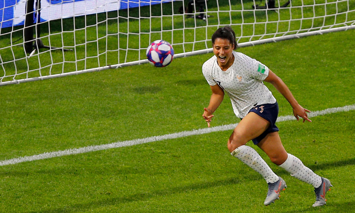 Women's World Cup: France needs extra time, but beats Brazil 2-1 to advance to quarterfinals