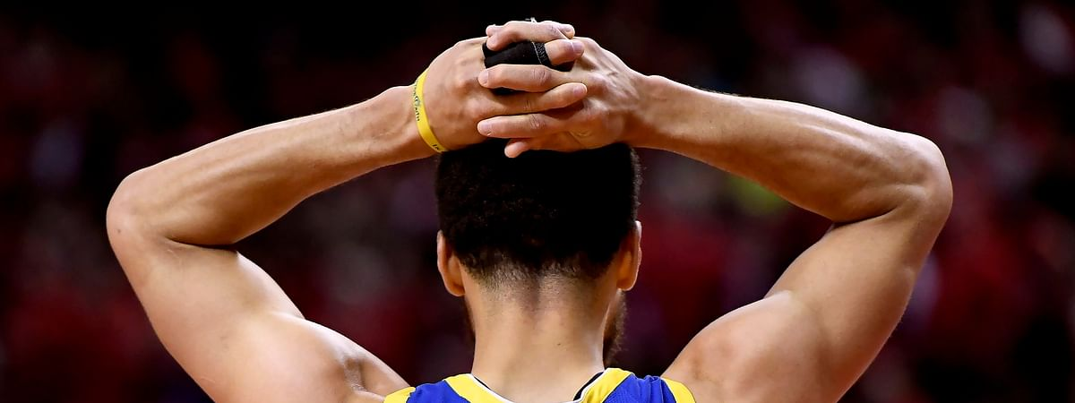 The Warriors' Stephen Curry failed to get a shot off in the fourth quarter of Golden State's Game 2 victory on June 2 (Frank Gunn/The Canadian Press)