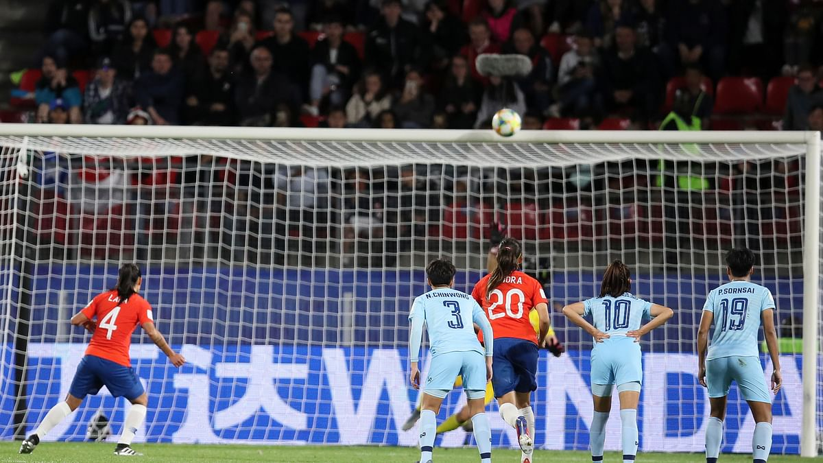 Chile tops Thailand 2-0 at Women's World Cup but falls one goal short of advancing as penalty shot hits crossbar