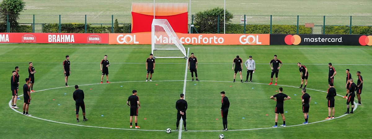Chile's players attend a training session in Sao Paulo, Brazil, on  June 27 (Victor R. Caivano)