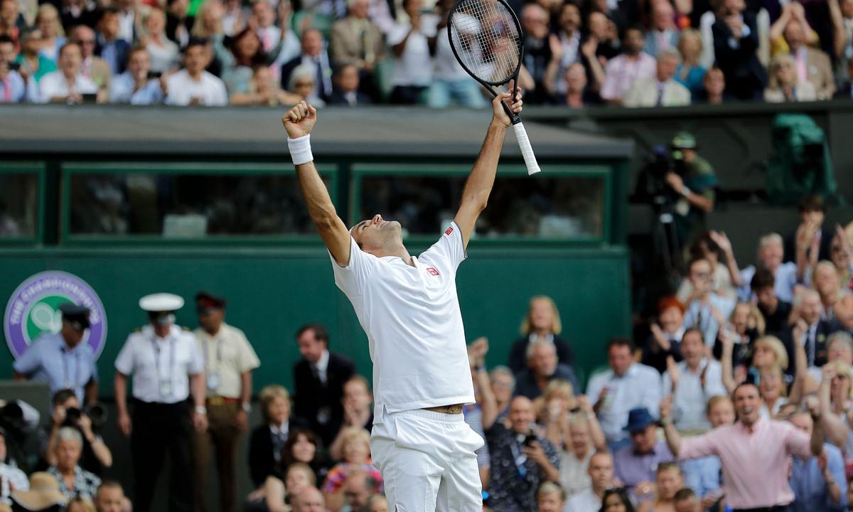 Wimbledon update: Roger Federer defeats Rafael Nadal 7-6, 1-6, 6-3, 6-4 to advance to finals against Novak Djokovic