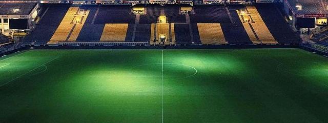 Soccer Field (Marvin Ronsdorf)