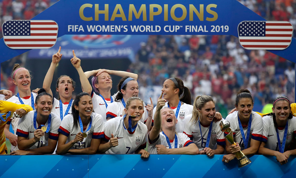USA wins Women's World Cup again! Top The Netherlands 2-0 as Rapinoe and Lavelle score