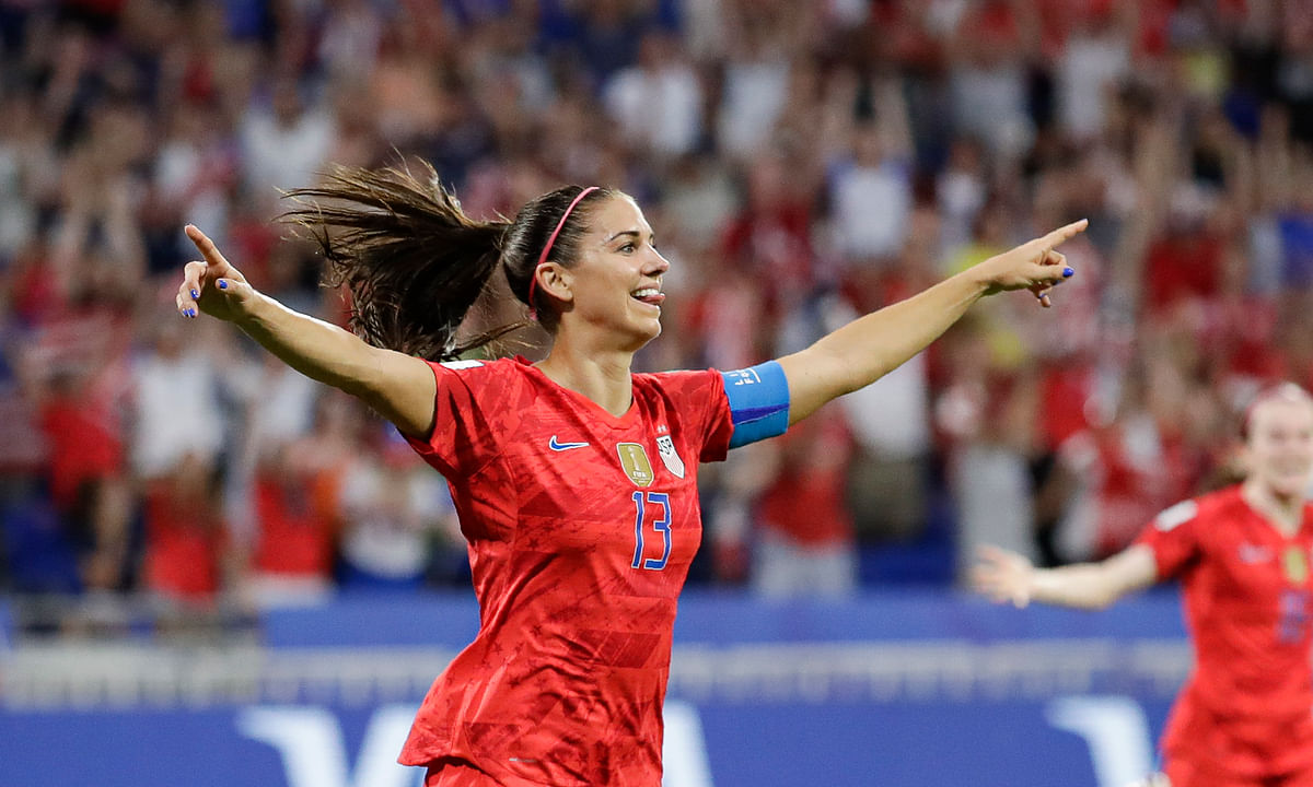 Alex Morgan scores go-ahead goal,  Alyssa Naeher stops penalty kick and U.S. wins 2-1 over England – head to Women's World Cup finals