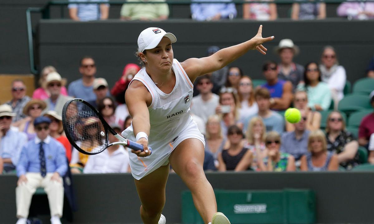 No. 1 Ash Barty wins on No. 1 Court at Wimbledon defeating Zheng Saisai, Angelique Kerber also advances