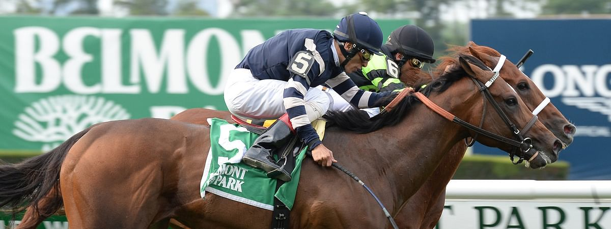 Gallery (hidden) noses out A Lot (5) for victory in the 2015 Manila Stakes at Belmont (Susie Raisher)