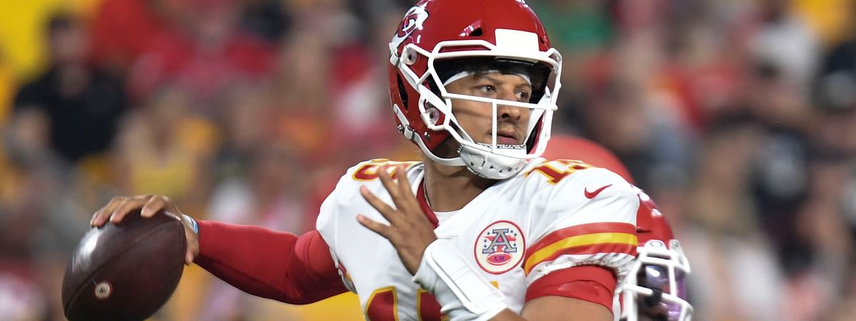 Kansas City Chiefs quarterback Patrick Mahomes passes in the first half of an NFL football game against the Pittsburgh Steelers, Saturday, Aug. 17, 2019, in Pittsburgh.