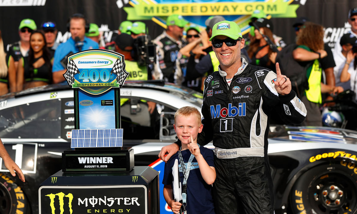 Kevin Harvick wins NASCAR Cup race at Michigan International Speedway