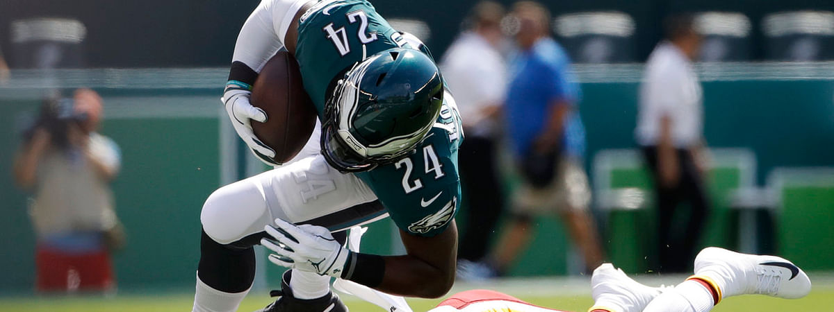 Eagles running back Jordan Howard rumbles against the Redskins in on Sept. 8 (Matt Rourke)