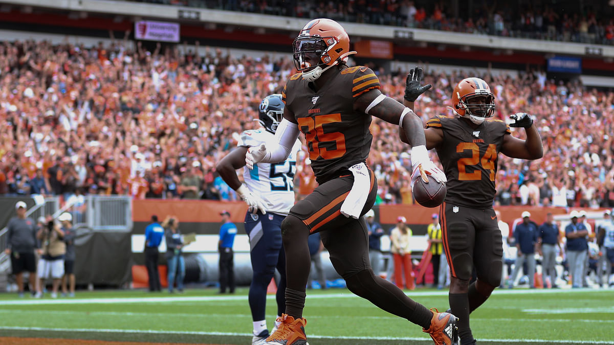 NFL injury news: Browns TE David Njoku has broken wrist, source says