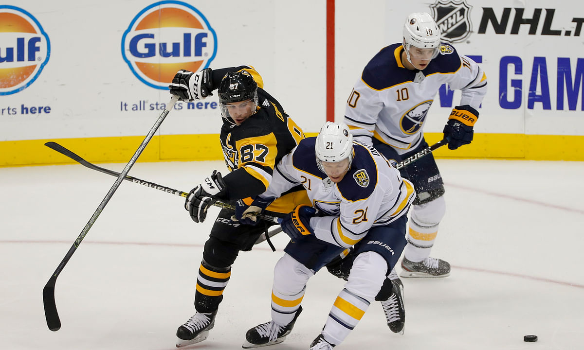 NHL: Sidney Crosby leaves Pittsburgh Penguins' preseason finale with apparent foot injury