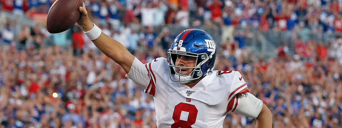 New York Giants quarterback Daniel Jones (8) runs 7-yards for a touchdown during the second half of an NFL football game against the Tampa Bay Buccaneers Sunday, Sept. 22, 2019, in Tampa, Fla. (AP Photo/Mark LoMoglio)