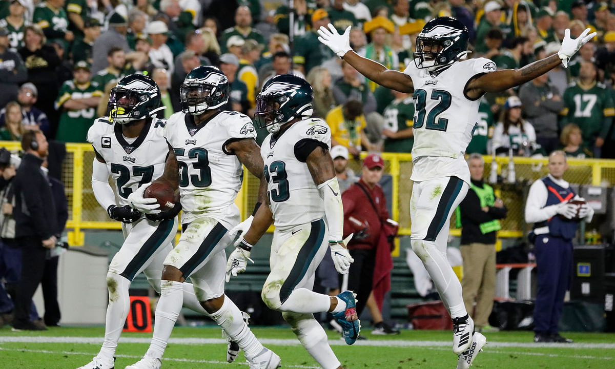 NFL TNF: Nigel Bradham picks off Aaron Rodgers' late pass, Eagles beat Packers 34-27; Avonte Maddox taken off field on stretcher (w/ video)