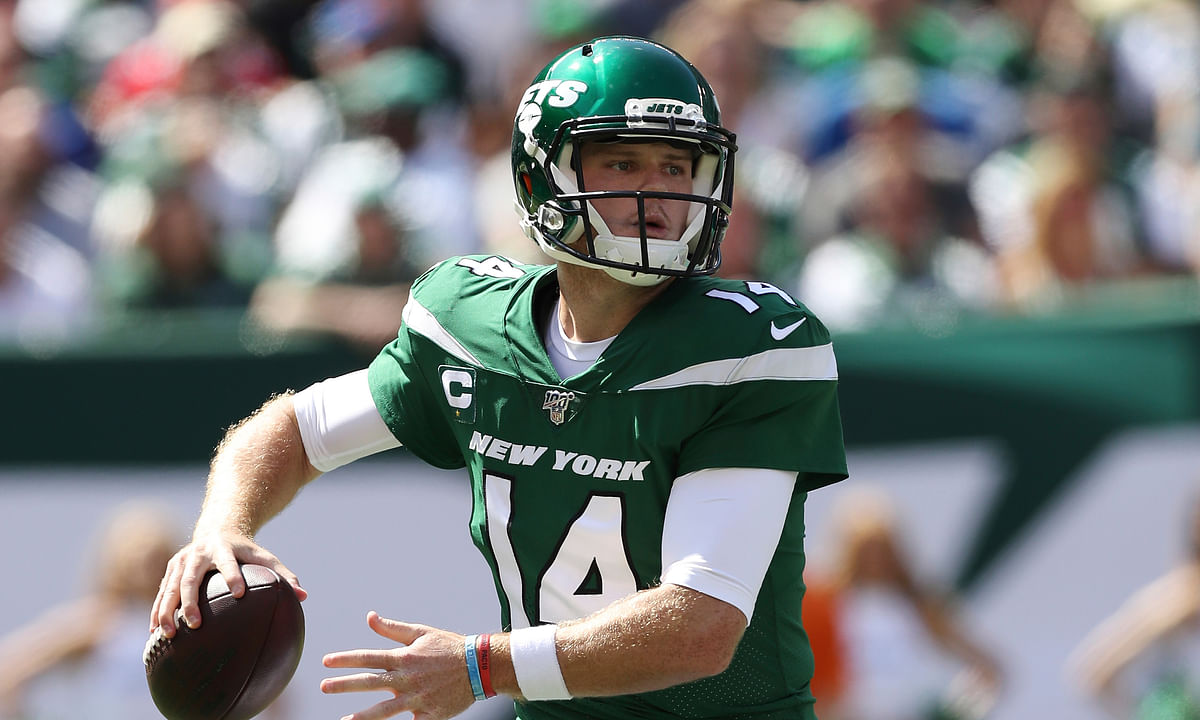 NY Jets QB Sam Darnold practicing, still not cleared for contact — status unclear vs Eagles