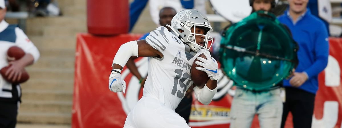 Memphis running back Kenneth Gainwell (19) carries for a touchdown in the first half of an NCAA college football game against Tulsa in Tulsa, Okla., Saturday, Oct. 26, 2019. (AP Photo/Sue Ogrocki)