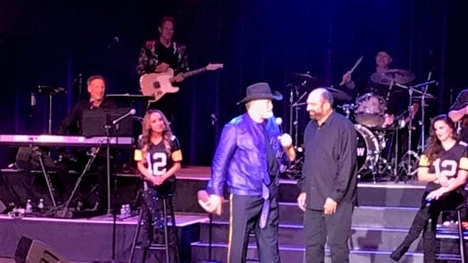 Call it the 'Immaculate Reunion': Terry Bradshaw, Franco Harris team up onstage at Atlantic City's Borgata