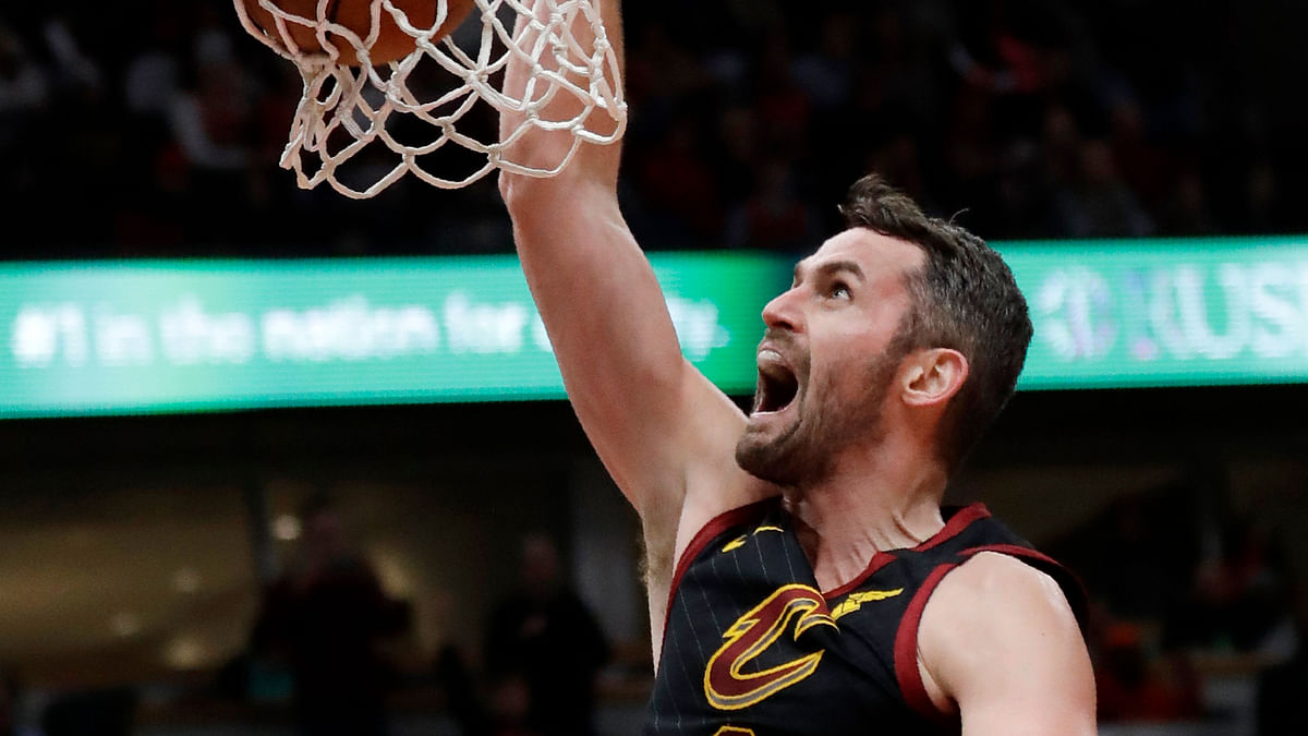 Cleveland Cavaliers forward Kevin Love dunks against the Chicago Bulls during the second half of an NBA basketball game in Chicago, Saturday, Jan. 18, 2020.