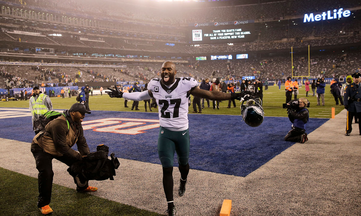 Video: The new Eagles secondary is discussed by Dave Zangaro and Barrett Brooks