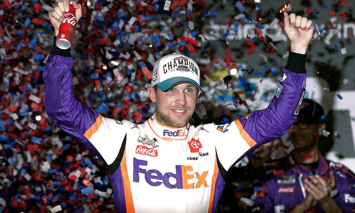 NASCAR iRacing: Barefoot Denny Hamlin speeds past Dale Earnhardt Jr. to win virtual Homestead