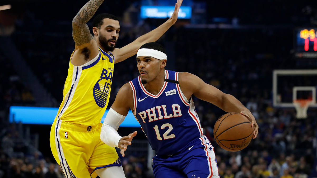 Curry-less Warriors rally to beat Embiid-less Sixers 118-114