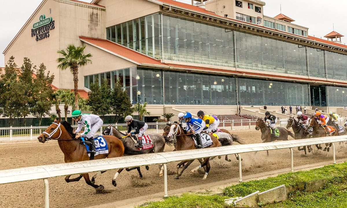 Wells Bayou wins eerie Louisiana Derby in empty track at Fair Grounds Race Course