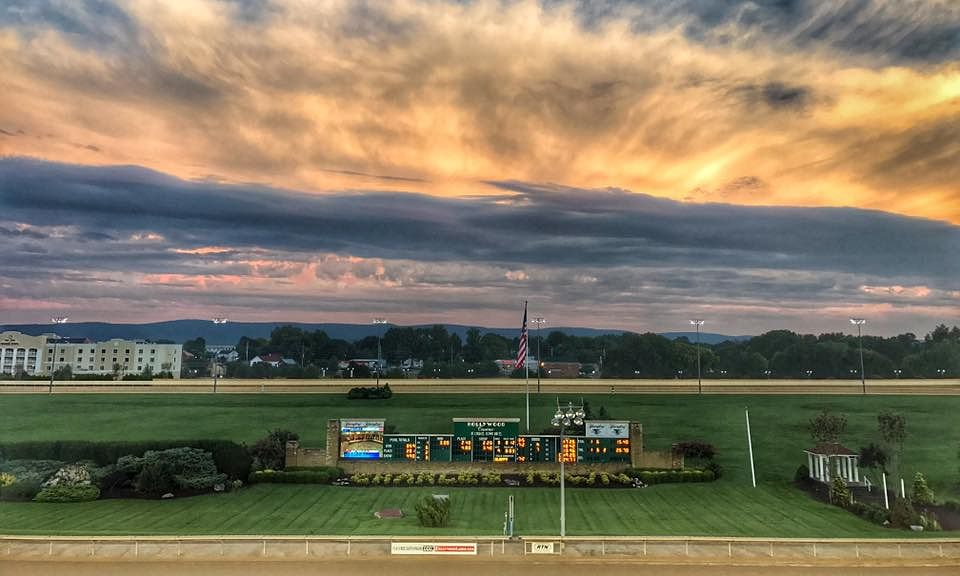 Charles Town Races at Hollywood Casino